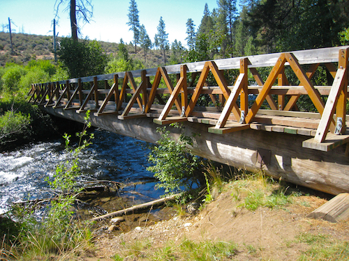Footbridge over Tumalo Creek at the north end of Shevlin Park